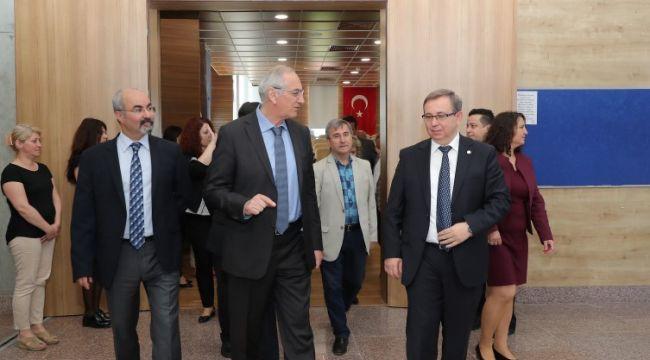 Senato 'Atatürk' dedi