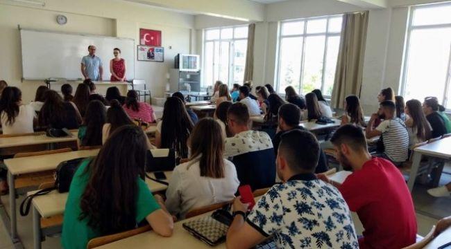 Arnavut öğrenciler TÜ'de