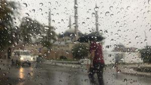 Edirne dün sağanak yağışla güne başladı