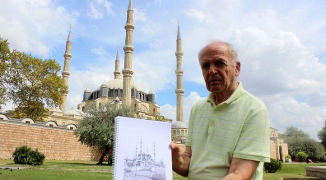 Osmanlı başkentleri albümü için çiziyor