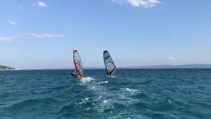 Saros'un denizi turist çekiyor