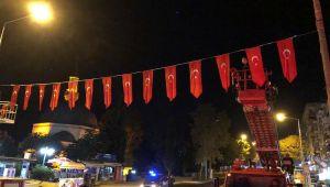 Mehmetçiğe bayraklı destek