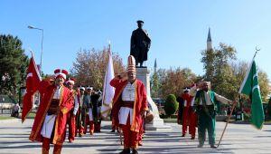 Mehterandan Mehmetçiğe asker selamı
