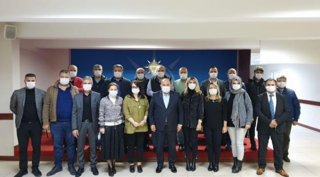 AK Parti'den maskeli toplantı