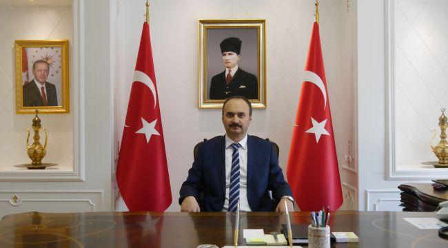 Canalp, Atatürk'ü andı