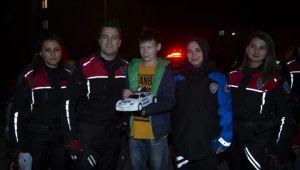 Polisler otizmli Mehmet'in hayalini gerçekleştirdi