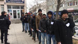 Sınırda 689 kaçak göçmen yakalandı