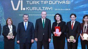 """Tabakoğlu, """"6. Türk Tıp Dünyası Kurultayı""""na katıldı"""