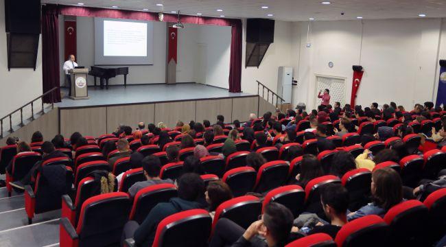 TÜ'de Cumhuriyet konferansı