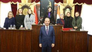 Meclis kadınlara emanet