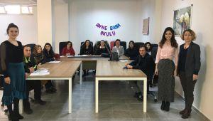 """""""Gelişen Anne Baba Okulu"""" açıldı"""