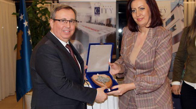 Kosova Cumhuriyeti'nden TÜ'ye büyük onur