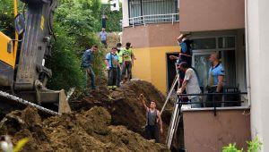 Tekirdağ'da toprak altında kalan 2 işçi kurtarıldı