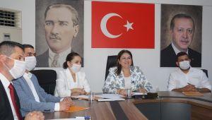 İba, AK Parti teşkilatları bayramlaşma programında konuşma yaptı