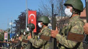 Millet ittifakı Zafer Bayramı'nı kutladı
