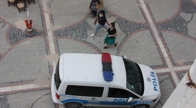 Polisten 'maske tak' uyarısı