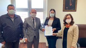 AK Parti Merkez İlçe Başkanı Özcan mazbatasını aldı