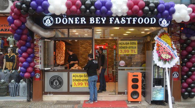 Dönerbey fast food hizmette