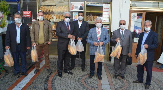MHP'den askıda ekmek kampanyasına destek