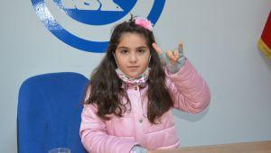 Minik Elif'ten çocuk haklarına farkındalık