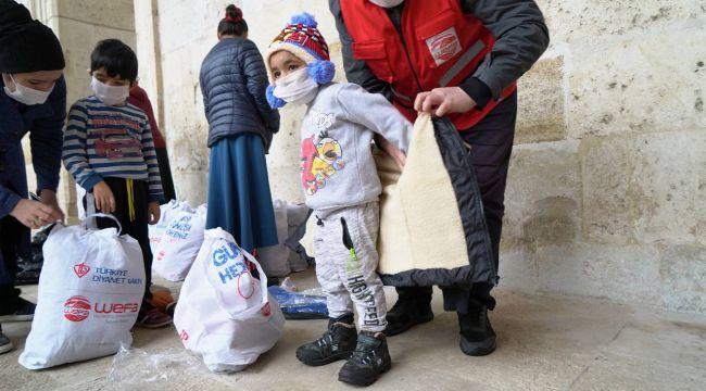 WEFA'dan çocuklara kışlık kıyafet