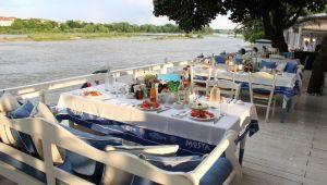 Bulgaristan'da restoranlar dün açıldı
