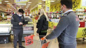 Marketlerde alışveriş sepeti sayısına göre müşteri alınıyor