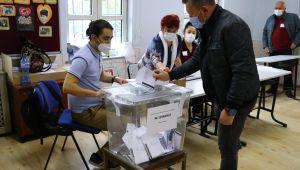 Çifte vatandaşlar Bulgaristan'da oylarını kullanıyor