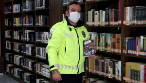 Edirne'de ilk romanı ilgi gören trafik polis yeni roman için kolları sıvadı