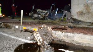 Otomobil köprü ayağına çarptı; 1 ölü, 2 yaralı