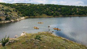 Kanocular Süloğlu Barajı'nda kürek çekti