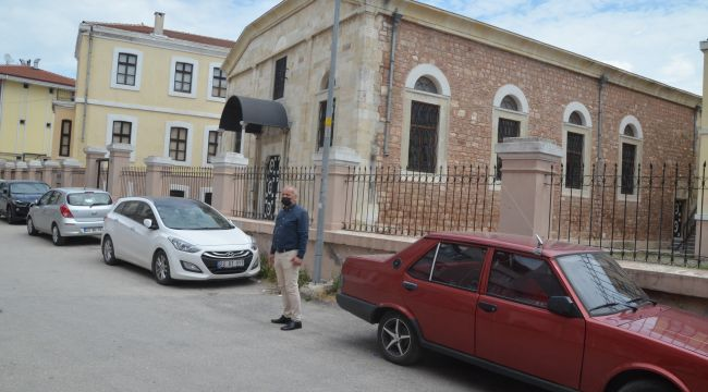 Mahalle muhtarından tarihi binayı kurtaralım çağrısı