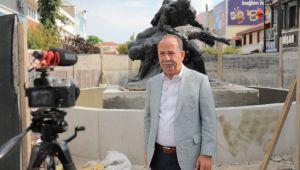 Pehlivanlar heykeli saraçlar caddesi'ne taşındı