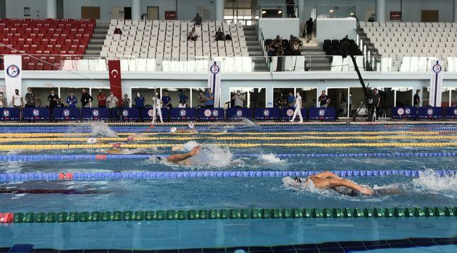 Yüzmede milli takım seçmeleri Edirne'de sürüyor