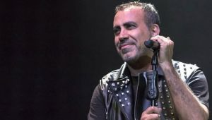 Haluk Levent, konserinde Saros'u dillendirdi