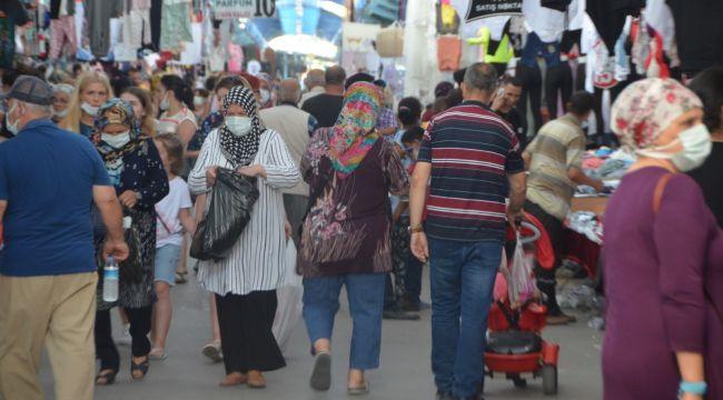 Ulusta bayram pazarı