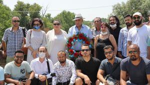 Öldürülen Romanların anısına Tunca Nehri'ne çiçek bırakıldı