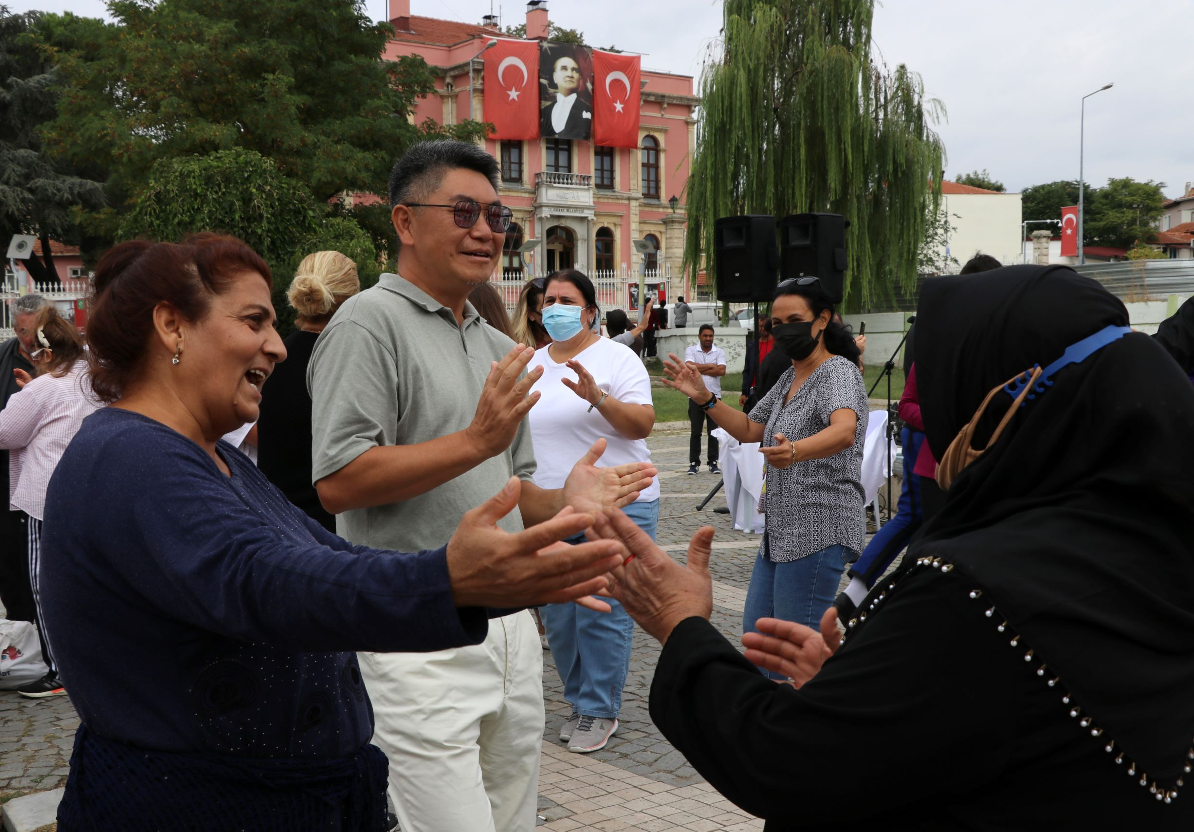 Güney Koreli profesör 9/8'lik ritme dayanamadı