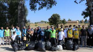 Tunca Nehri'nde çöp temizliği