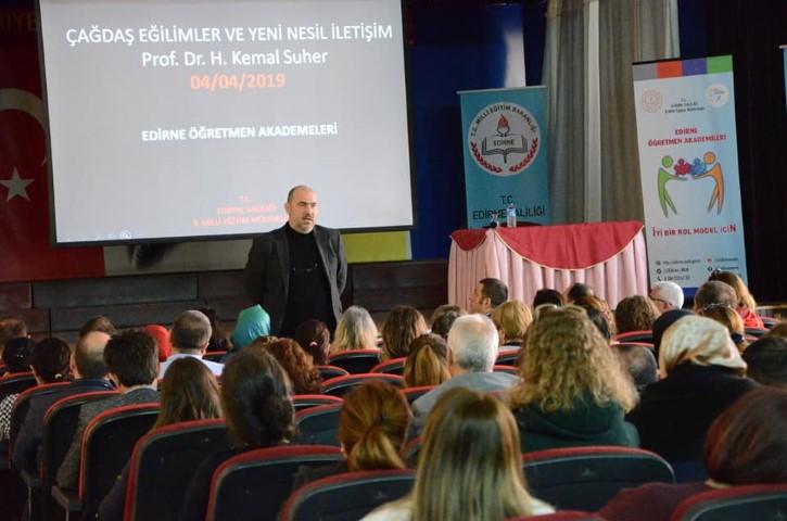 Milli eğitimden Yeni Nesil İletişim konferansı
